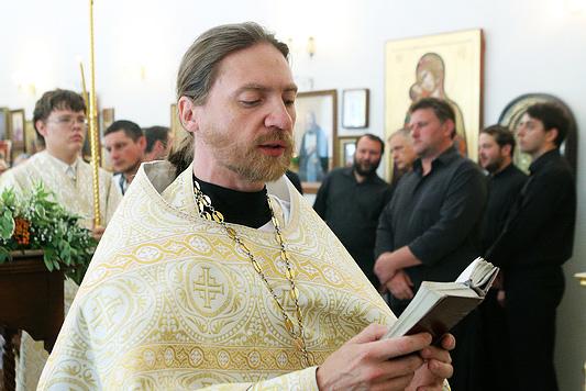 Священник Игорь Емельяненко зачислен в клир нашего храма