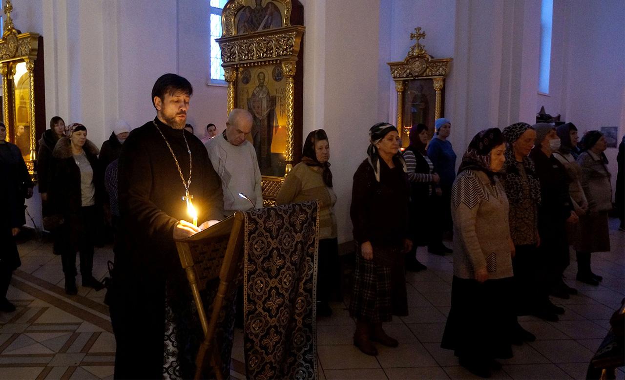Великое повечерие с чтением 2-й части канона преподобного Андрея Критского