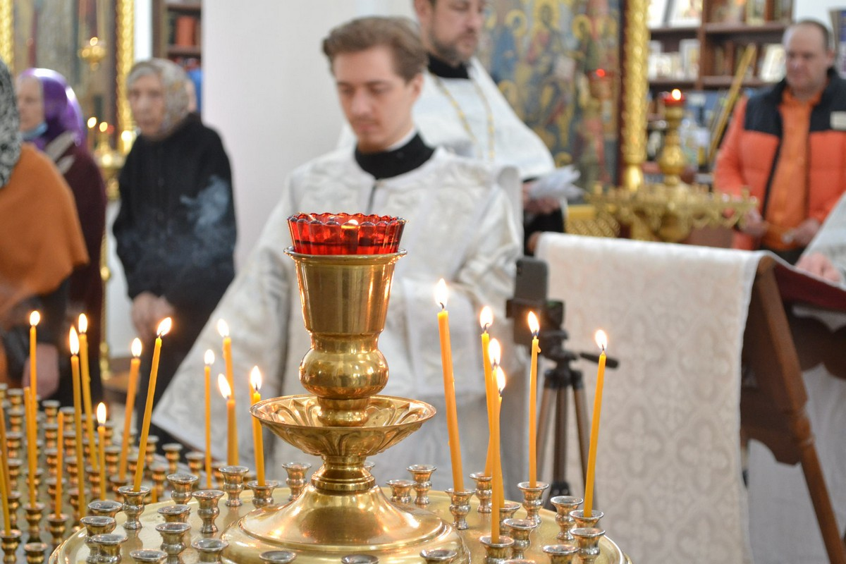 Вечернее богослужение с чинопоследованием парастаса