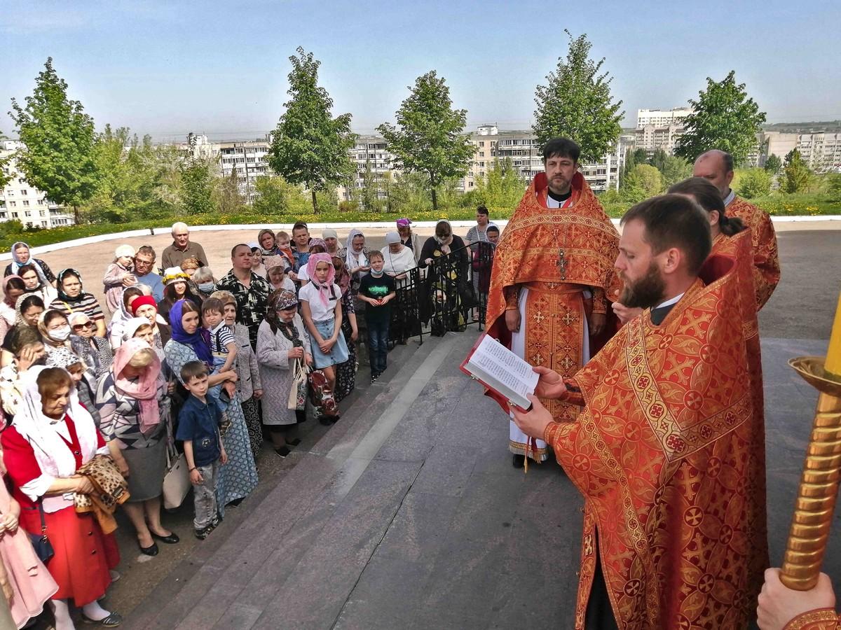 Неделя 3-я по Пасхе, день памяти святых Жен-мироносиц